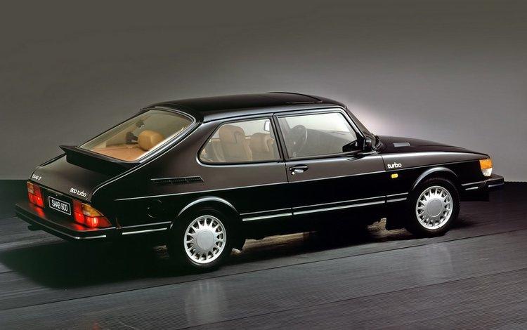SAAB 900 turbo 1990 сзади