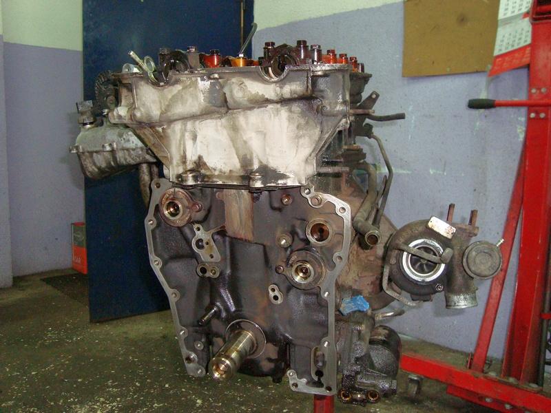 Цепь ГРМ снята с двигателя